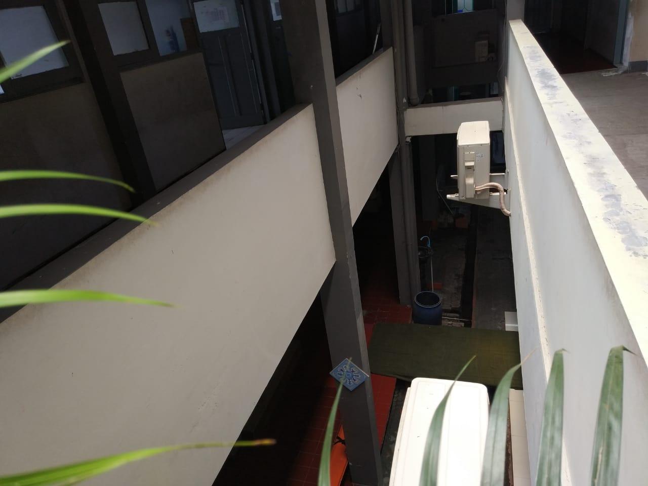 Tampak bangunan dari latai 2