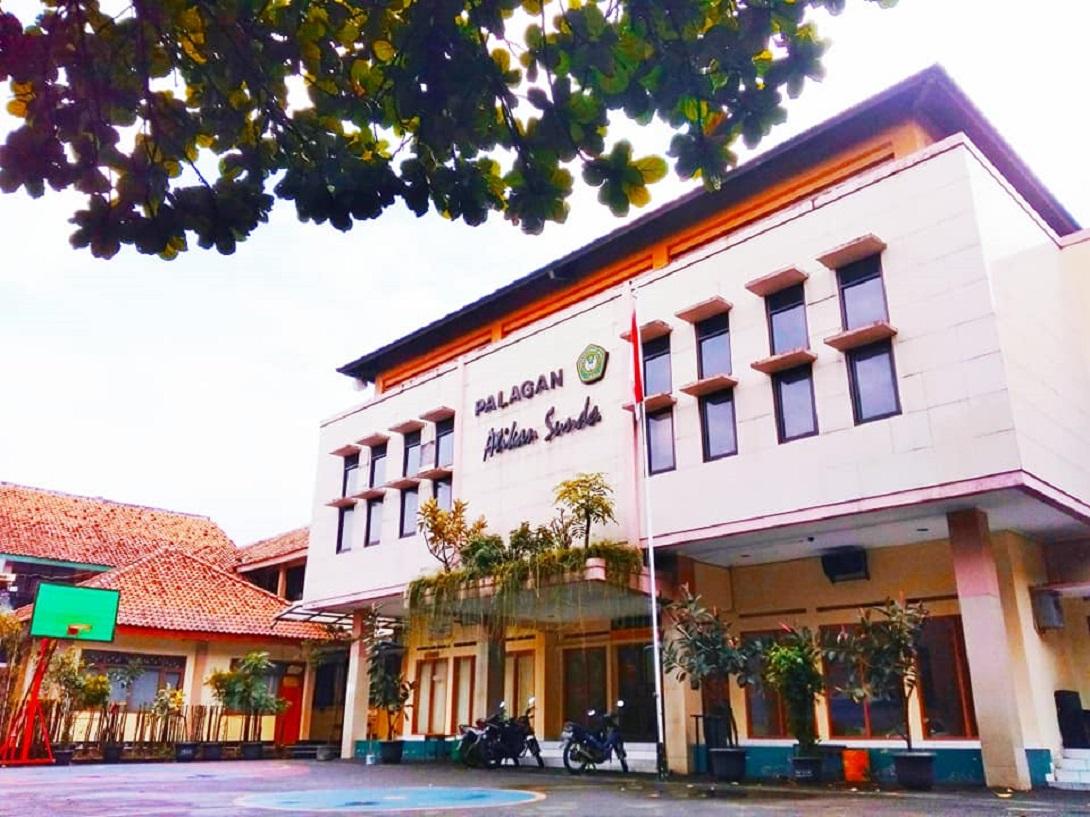 Halaman Depan Palagan Atikan Sunda - SMP YAS