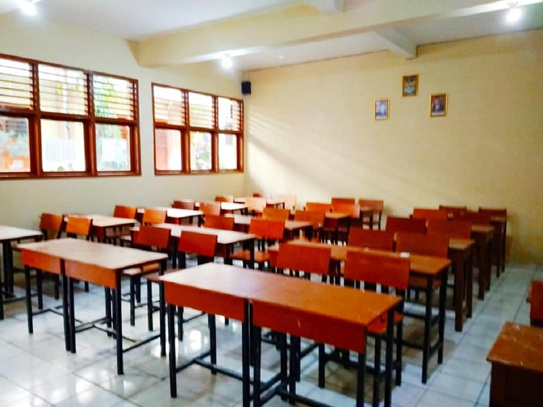 Ruang Kelas - SMP YAS