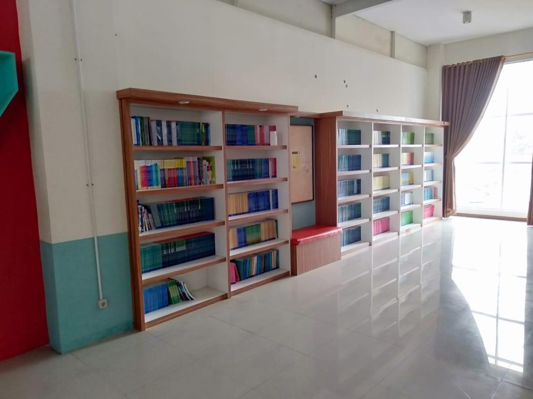 Foto Perpustakaan Sekolah