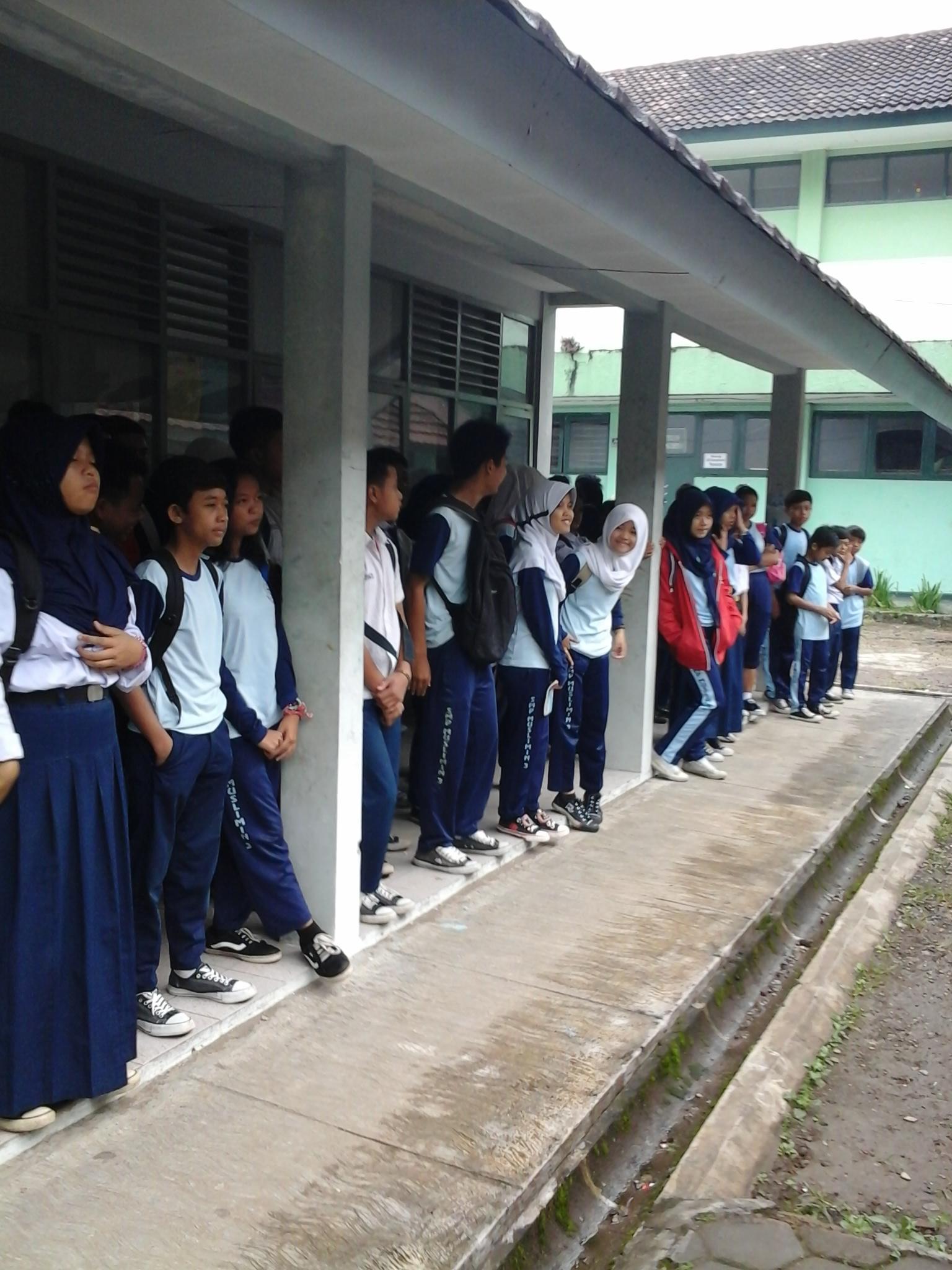 Siswa SMP Muslimin 3