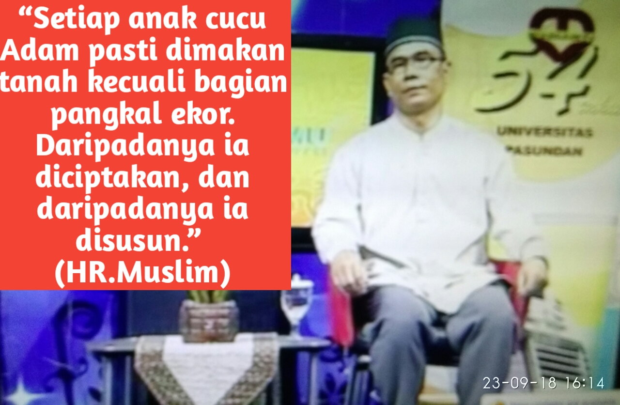 Kepala Sekolah SMP Muslimin 3 saat mengisi acara di Bandung TV dalam acara  Cahaya Ilmu