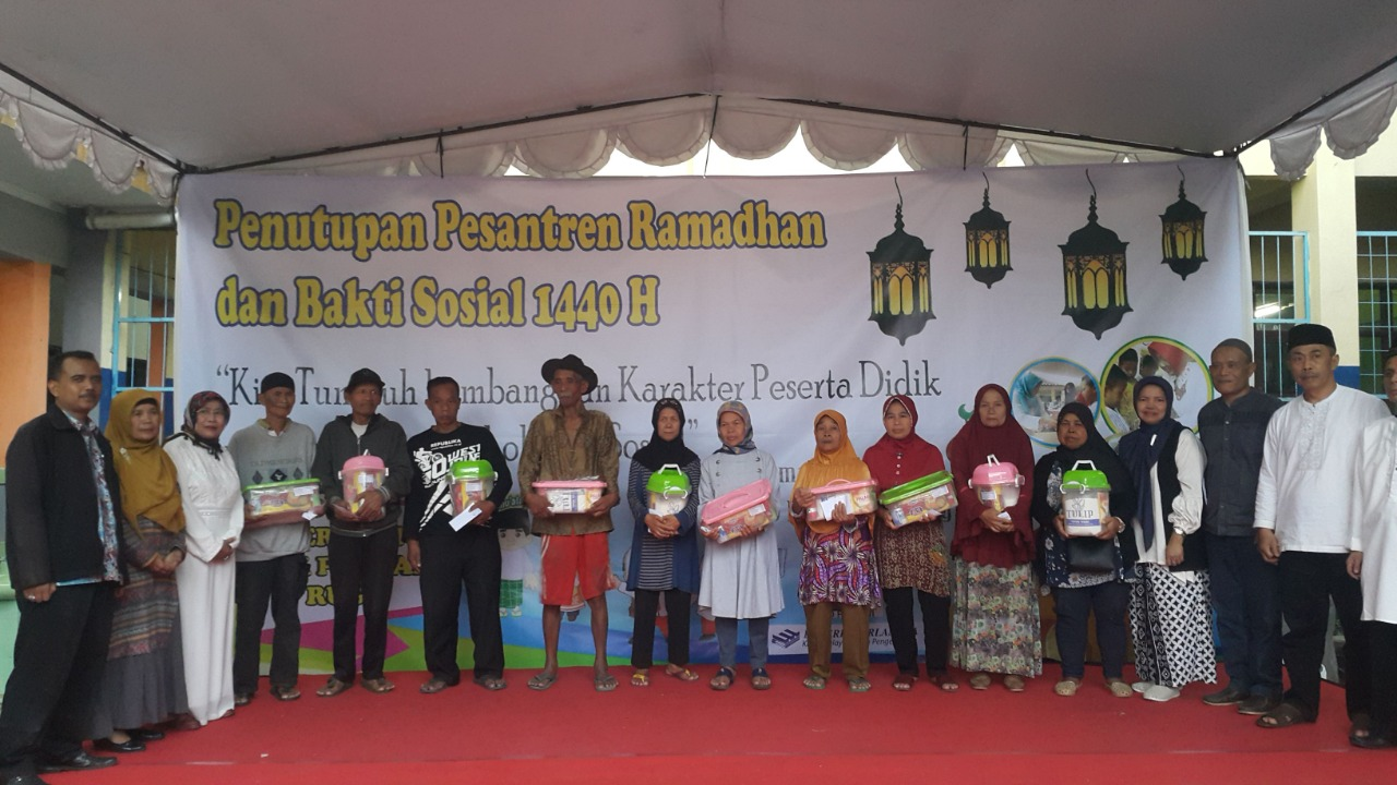Bakti Sosial pada Kegiatan Pesantren Ramadhan
