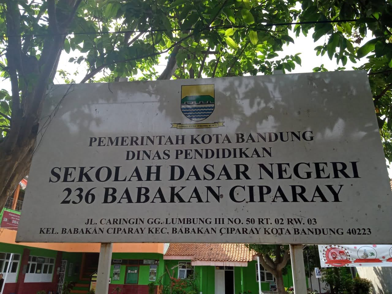 Foto Papan Nama Sekolah