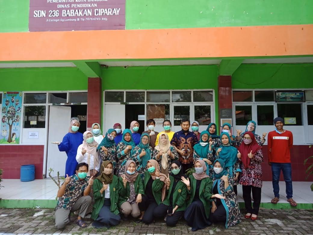 Tim Medis Puskesmas Caringin, PTK SDn 236 Babakan Ciparay, dan Mahasiswa PPL STKIP Siliwangi pada kegiatan BIAS Tahun 2020