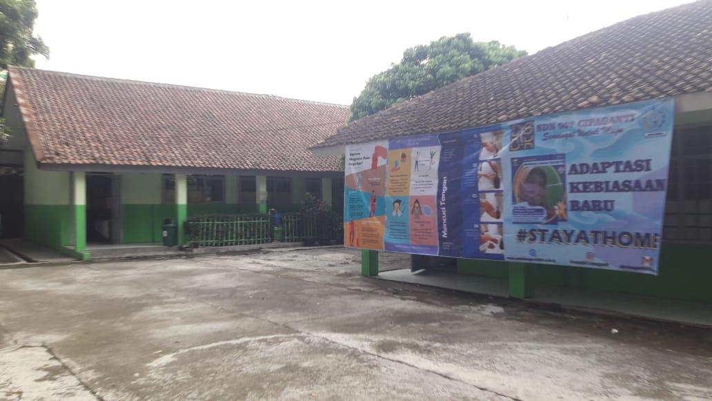 Foto Tampak Depan Sekolah 2