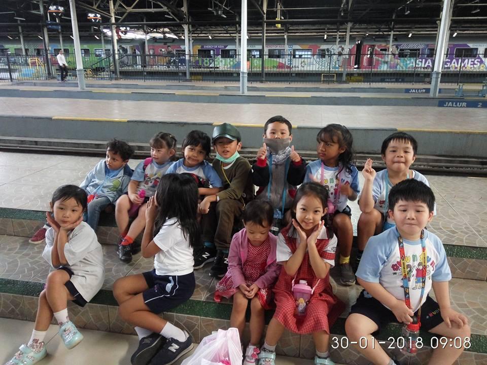Naik kereta api ke Cicalengka