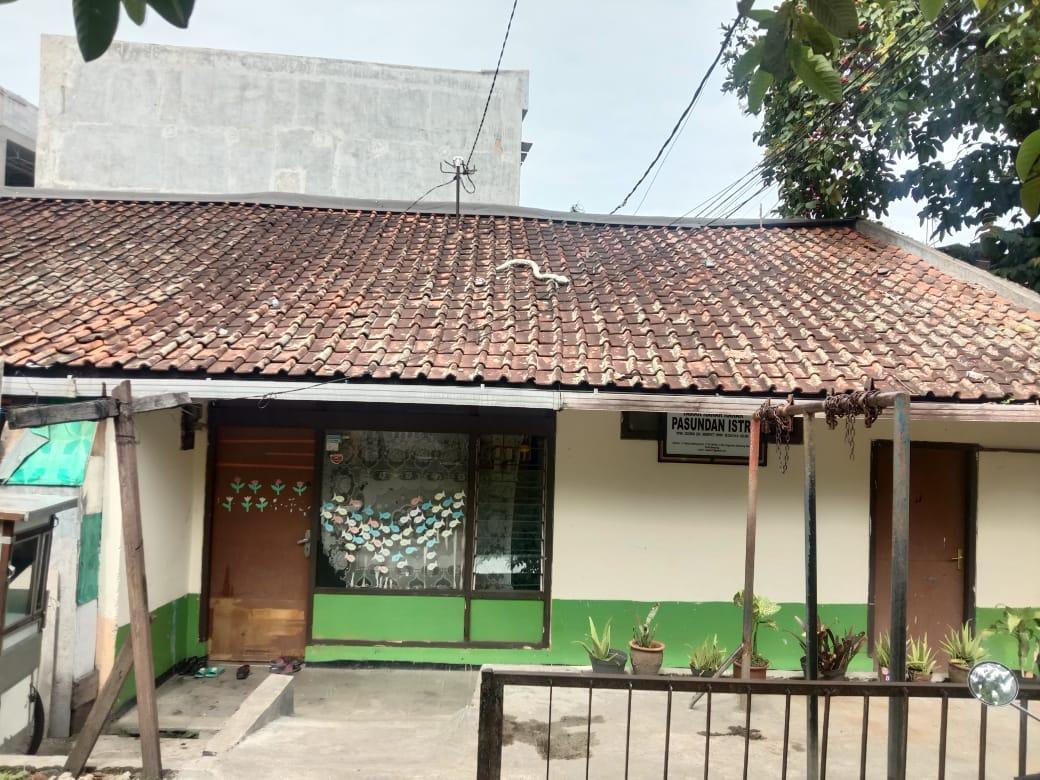 halaman depan sekolah