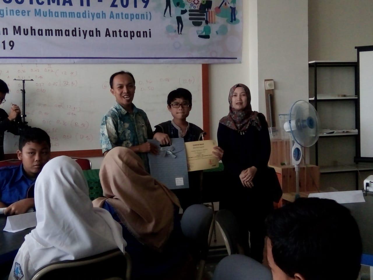 Siswa SMP Al-Khulafa meraih Juara I Kegiatan STEM 2019 Se-Kota Bandung