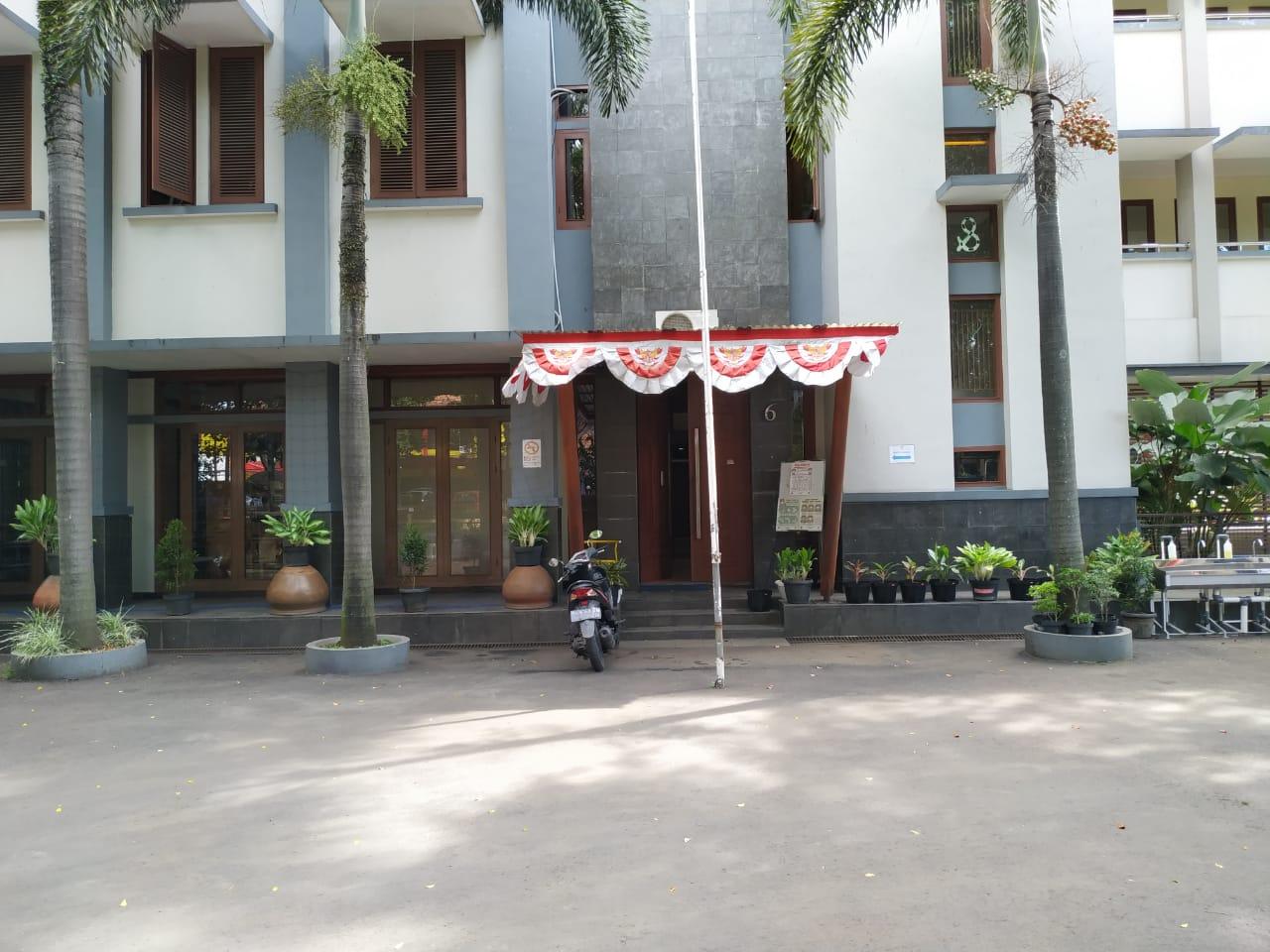 Foto Pintu Masuk Sekolah (Gerbang Depan)