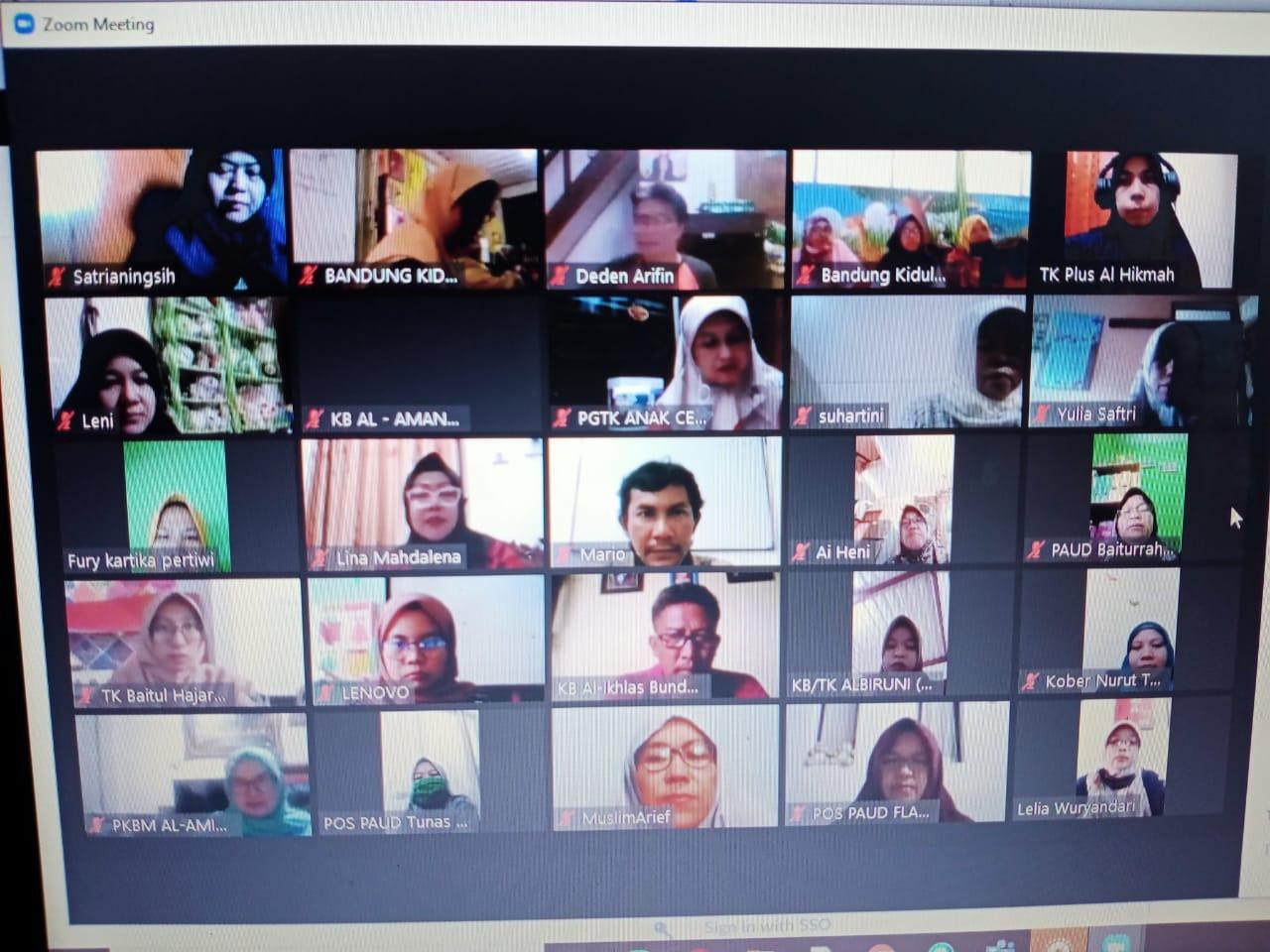 Kegiatan virtual Guru TK Tunas Cilik mengenai pemetaan mutu lembaga