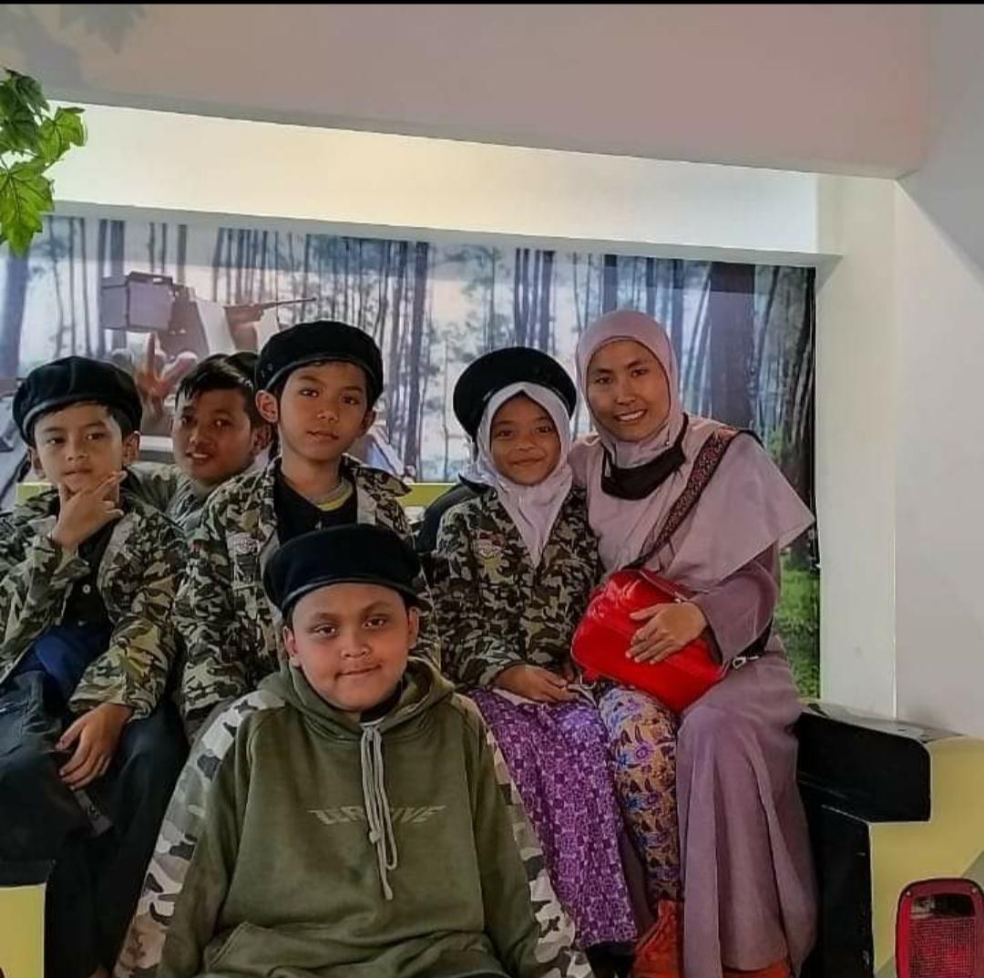 Kel. I Outing class ke Bandung Champion City, profesi tentara, 2019